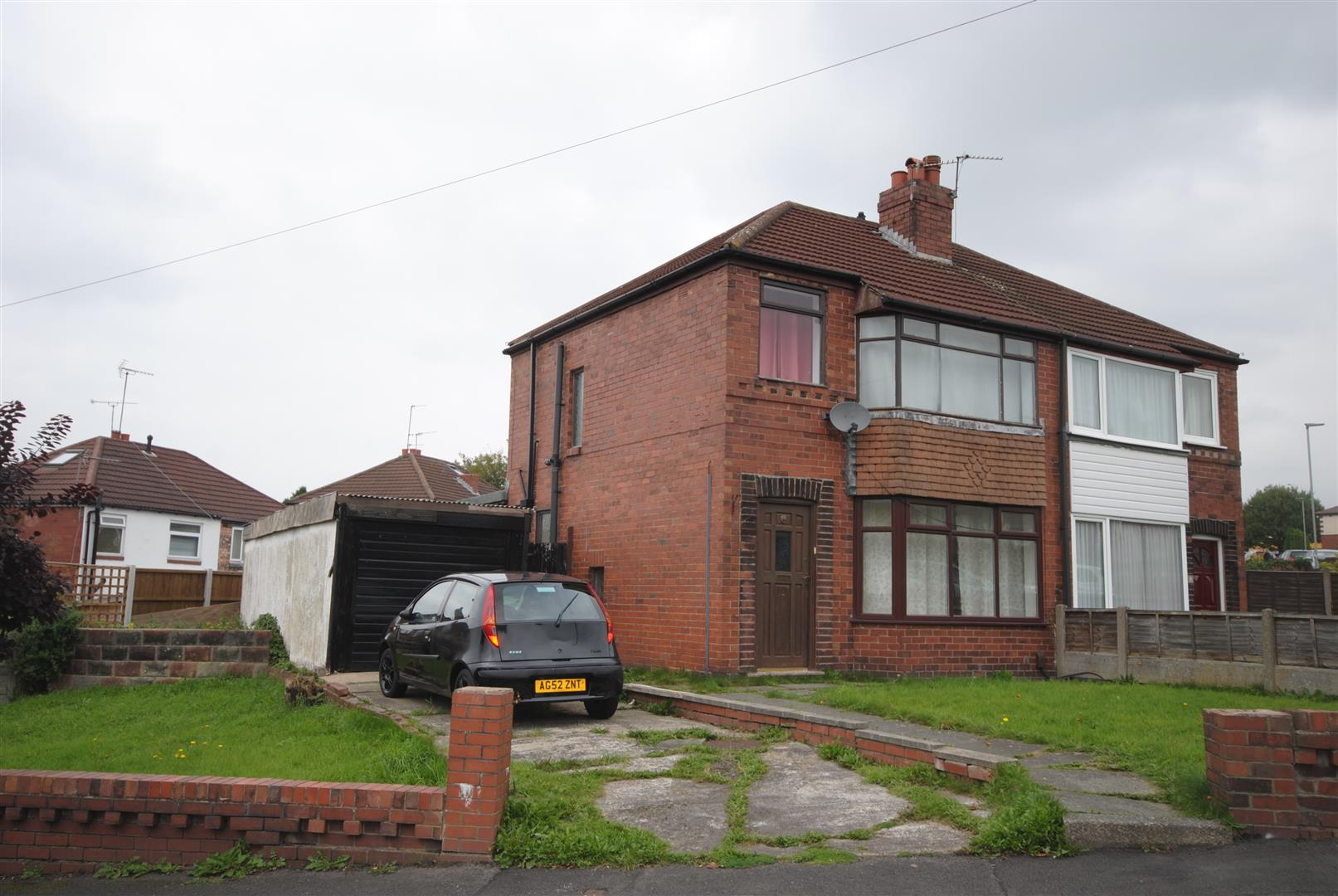 3 Bedrooms Semi Detached House for sale in Baytree Road, Springfield, Wigan